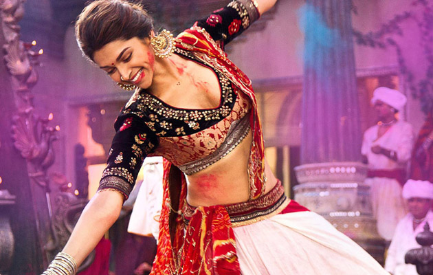 Ultimate Hindi Navratri Songs Playlist For Your Garba Party